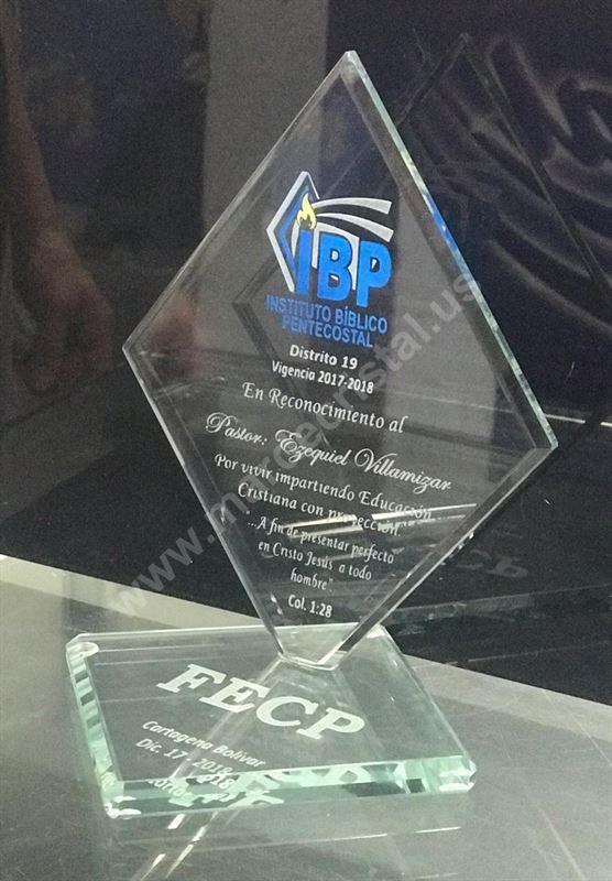 Placas Y Trofeos Mar De Cristal