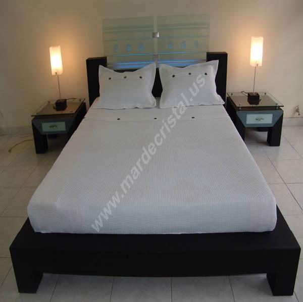 camas-y-juegos-de-alcoba-en-cristal-mar-de-cristal9
